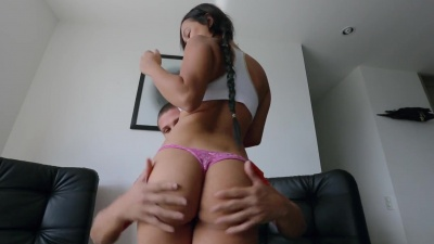 Jessica plants her fat Colombian ass on a dick & bounces for cash