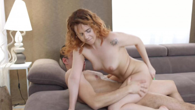 Date of sexy redhead vixen Effie Gold ends with a passionate sex