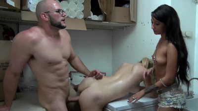 Well known slut Courtney Shea banging for money