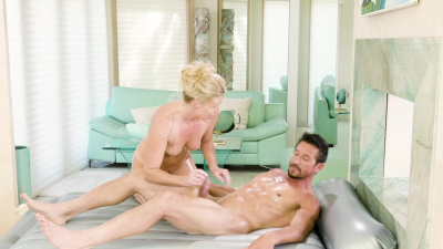 Cougar masseuse India Summer milks jizz with help of oil