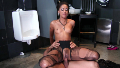 Glam ebony Skin Diamond wants white guy to fuck her like the dirty whore