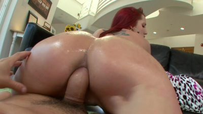 PAWG milf Kelly Divine totally loves anal