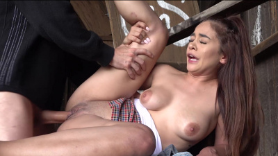 Latina beauty Ginebra Bellucci works that dick hard for money