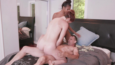 BFFs Jaycee Starr, Luna Light and Nia Nacci make one lucky studs dreams cum true