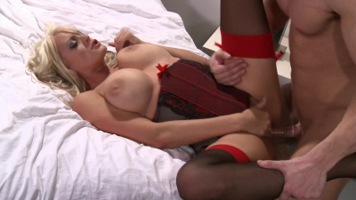 Thick milf Stormy Daniels spreads her legs for her man's hard wood