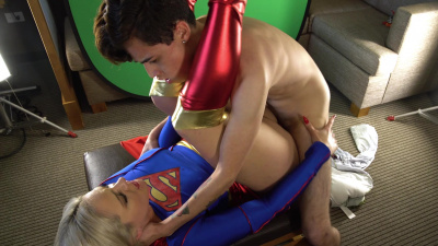 Supergirl Lisey Sweet receives sticky creampie