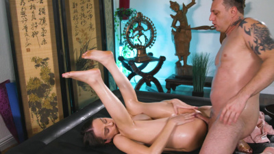 Masseuse Lily Glee makes everything possible to get 5 star review