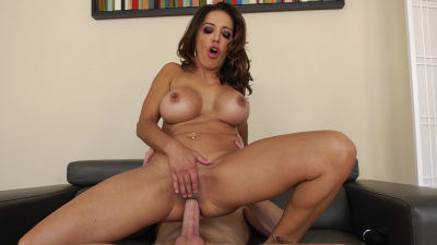 Horny housewife Francesca Le raunchy anal reaming while husband at work