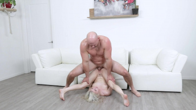 Bubbly blonde Aria Banks filled with extra large cock