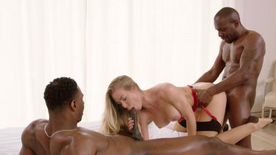 Classy blonde Nicole Aniston take turns with 2 black studs