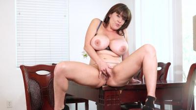 Hot mama Rebecca Love caressing her clit