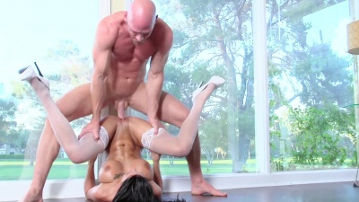 Peta Jensen worships the dick with her mouth & tits & feet then gets it balls deep
