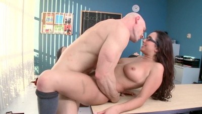 Karlee Grey deepthroated & gagged on teacher's dick & got fucked in the class